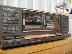 TEAC, high end cassette deck from late 80,s//