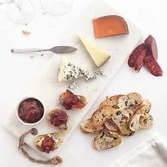 Peach & Spanish Onion Chutney by Chef Mike Ward Kid Friendly Appetizers, Quick Appetizers, Quick Snacks, Red Onion Chutney, Onion Relish, Cheese Recipes, Snack Recipes, Spice Trade, Cooking Time