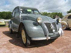Heute vor 64 Jahren, am 7. Oktober 1948, stellte Citroën den neuen 2CV bei der Pariser Automesse der Oeffentlichkeit vor. http://youtu.be/UCIjpYr7yLE #Auto #mobil