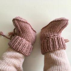 """139 Synes godt om, 2 kommentarer – Marie Opsahl (@strikkexpressen) på Instagram: """"Disse her! 😍 En oppskrift jeg virkelig kan anbefale er Lillebrors vintersko laga av flinke @heidipe…"""""""