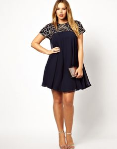 ASOS CURVE Exclusive Premium Swing Dress With Embellished Neck at ASOS. Plus Size Maxi Dresses, Plus Size Outfits, Casual Dresses, Short Sleeve Dresses, Formal Dresses, Estilo Fashion, All Fashion, Fashion Dresses, Fashion Online