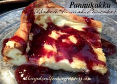 Pannukakku {Baked Finnish Pancake} An authentic Finnish recipe. A souffle type of pancake that settles down into a custard-like consistency. Top it with maple or fruit syrup, to fresh fruit & whipped cream, to fresh squeezed lemon & powdered sugar Finnish Pancakes, Finnish Cuisine, Finnish Recipes, Breakfast Recipes, Dessert Recipes, Yummy Recipes, Norwegian Food, Delicious Desserts, Yummy Food
