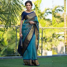 Unleash Your Indian Tradition By Choosing This Latest Turquoise Blue Colored Traditional Saree At Factory Price From Kyrraa Which Suits You On Every Occasions. Saree Draping Styles, Saree Styles, Kanjivaram Sarees Silk, Brocade Saree, Indische Sarees, Silk Saree Blouse Designs, Saree Look, Elegant Saree, Traditional Sarees