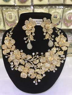 Luxury Gold Wedding Flower Necklace Earrings Set Chunky Statement Bridal Jewelry Set Crystal Rhinestone Jewelry for Women Rhinestone Jewelry, Gems Jewelry, Women Jewelry, Crystal Rhinestone, Crystal Earrings, Jewelery, Fashion Jewelry Stores, Best Jewelry Stores, Fashion Jewellery