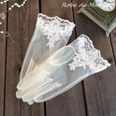 Bridal Accessories, Bridal Jewelry, Fashion Accessories, Gloves Fashion, Queen Outfit, Vintage Gloves, Wedding Gloves, Stunning Wedding Dresses, Lace Gloves