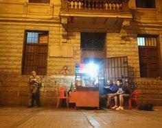 Los fantasmas de la penumbra.  #nuit #noite #noche #Lima #Peru #traveling #filmmaking #Beats #wanderlust #wandering #citylife #nightlights #epic lights #adventures #sephia #historic #colonial #oldcity #vintage #LifeisBeautiful #lifeofadventure  (en Centro Historico de Lima)