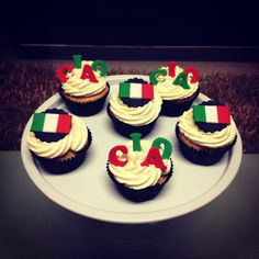 Italian flag cupcakes by Stealing Petit Fours
