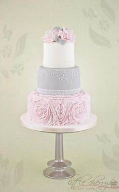 Pink and gray cake | quinceanera Ideas |