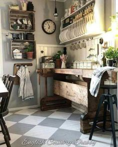 Beautiful Kitchens, Beautiful Interiors, Shabby Chic Kitchen Table, Cottage Kitchens, French Kitchens, Farmhouse Kitchens, Shabby Chic Theme, Kitchen Design Open, Door Furniture