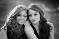 sisters des moines iowa family photographer sibling portrait photography iowa