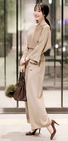 LUXE ASIAN FASHION - BLOUSE/TEE/SHIRT - Luxe Asian Women Design Korean Model Fashion Style Top Luxe Asian Women Party Dresses Asian Size Clothing Luxury Asian Woman Club Dress Fashion Style Clothing 韓国の服 韩国衣服 韓国スタイル 韩国风格,韓国ファッション, アジアンファッション. If you want