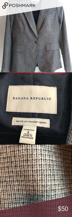 Banana republic women's gray houndstooth blazer 4 Like new blazer women's size 4 Banana Republic Jackets & Coats Blazers