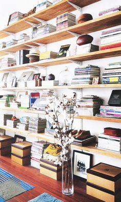 Bookcase design 10 Organization Habits You Need to Establish Before Age 30 | DomaineHome.com