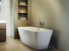 Freestanding acrylic bathtub ESPRIT by Jacuzzi Europe Bathroom Interior, Modern Bathroom, Small Bathroom, Jacuzzi Bathroom, Bathtub, Bathroom Renovations, Home Remodeling, Wall Mounted Taps, Corner Bath