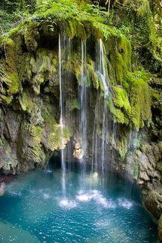 Poza de la Cascada del Tubo #NacederoUrederra en el #ParqueNaturalUrbasa   Navarra, Spain