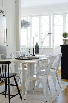 Black and White Swedish Home - lookslikewhite Blog - lookslikewhite