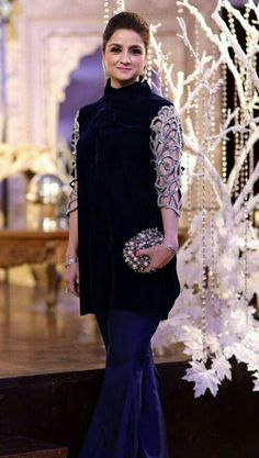 Pakistani Wedding Outfits, Pakistani Dresses, Indian Dresses, Indian Outfits, Indian Designer Outfits, Designer Dresses, Velvet Dress Designs, Stylish Dresses For Girls, Girls Dresses