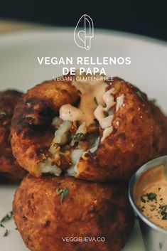 Vegan Rellenos de Papa Vegan Rellenos de Papa VeggieJeva veggiejeva VeggieJeva's Recipes Veganized Puerto Rican is back with some crispy vegan rellenos de papa or vegan mashed potato balls loaded with soy ground beef and vegan cheese. Vegan Lunch Recipes, Vegan Foods, Vegan Snacks, Vegan Dishes, Mexican Food Recipes, Beef Recipes, Whole Food Recipes, Cooking Recipes, Bolivian Recipes