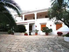 Villa/Casa singola OSTUNI 185.000 € | 250 m2 | Locali 8 | Camere 3 | Bagni 2 3, Mansions, House Styles, Home Decor, Home, Luxury Houses, Interior Design, Home Interior Design, Palaces