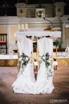 Church Wedding Decorations Rustic, Rustic Wedding Centerpieces, Barn Wedding Venue, Wedding Church, Wedding Chairs, Wedding Table, Floral Wedding Cakes, Wedding Places, Altar