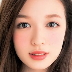 I tried a similar look yesterday with lesser makeup, clean eyes and a touch of blush. Husband commented i look younger! Japanese Makeup, Japanese Beauty, Asian Beauty, Beauty Makeup, Eye Makeup, Hair Makeup, Hair Beauty, Most Beautiful Faces, Beautiful Asian Girls
