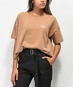Outfits With Vans – Lady Dress Designs Sporty Outfits, Cool Outfits, Fashion Outfits, Women's Fashion, 8th Grade Outfits, Vans T Shirt, Vans Outfit, Adidas, Everyday Outfits