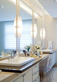 Detalhe bancada Bathroom Design Inspiration, Bathroom Interior Design, Interior Decorating, Decoration, Master Bathroom, Building A House, New Homes, Photos, Make Up