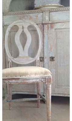 Waterfall For Home Decoration Turquoise Furniture, Blue Painted Furniture, Distressed Furniture, Antique Furniture, Swedish Decor, Swedish Style, Swedish Design, White Furniture Inspiration, Swedish Interiors