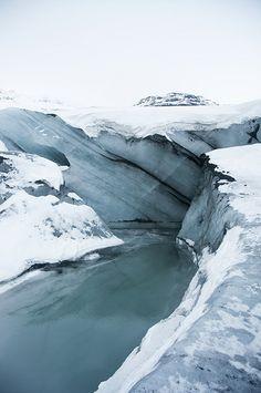 Water, snow and ice at Sólheimajökull glacier