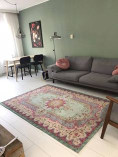 Used Carpet Runners For Sale Interior Design Living Room, Living Room Decor, Interior Decorating, Living Room Accessories, Classic Rugs, Beautiful Living Rooms, Carpet Design, Contemporary Rugs, Interior Inspiration