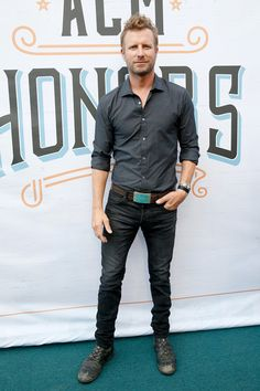 Dierks Bentley Photos Photos - Singer Dierks Bentley attends the 10th Annual ACM Honors at the Ryman Auditorium on August 30, 2016 in Nashville, Tennessee. - 10th Annual ACM Honors - Red Carpet