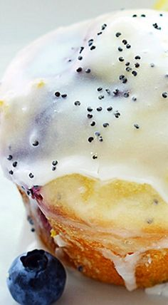 Blueberry Lemon Poppyseed Muffins - The blueberry-lemon combo is so tasty and the icing and poppyseeds just pull everything together. This is a great way to make busy morning breakfasts easy and delicious! ❊