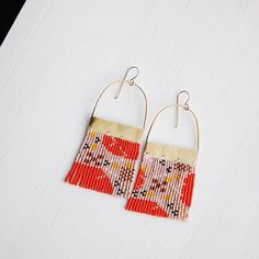he beautiful in a Scandinavian floral inspired pair of earrings. I love the way these felt as though they were floating and Beaded Jewelry Designs, Seed Bead Jewelry, Bead Jewellery, Seed Bead Earrings, Beaded Earrings, Handmade Jewelry, Seed Beads, Brick Stitch Earrings, Diy Jewelry Inspiration