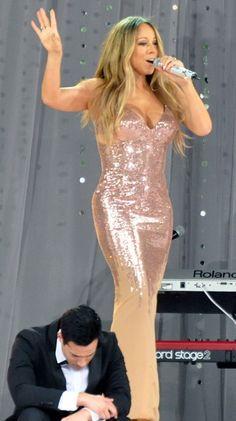 You're beautiful, Mariah Carey Lara Spencer, Versace Gown, Silver Gown, Lucky Man, Donatella Versace, Pink Gowns, Good Morning America, Mariah Carey, I Dress