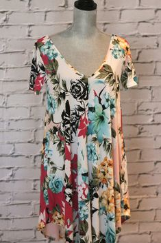 Flirty Floral Slipover Dress Salt And Light, Swing Dress, Pretty Dresses, Bathing Suits, Floral Tops, Short Sleeves, V Neck, Fabric, Beauty