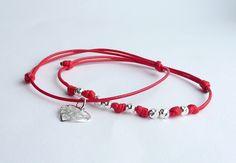 Set di bracciali di cordone rosso argento Sterling 925, Set di due bracciali, Set di braccialetti amicizia di MONADESING su Etsy https://www.etsy.com/it/listing/220389672/set-di-bracciali-di-cordone-rosso