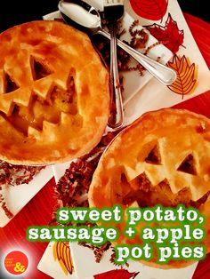 Sweet Potato, Sausage + Apple Pot Pies: Perfect for #Halloween, these pot pies full of potato, sweet potato, apple, onion and turkey sausage are complete with jack-o-lantern faces!