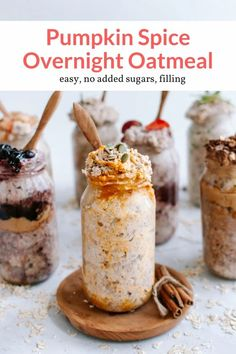 The best make ahead overnight oatmeal with all the flavors of pumpkin spice. Plus these don't have any added sugars and are naturally sweetened. Blueberry Overnight Oats, Overnight Oatmeal, Overnight Refrigerator Oatmeal, Overnight Breakfast, Healthy Breakfast Recipes, Breakfast Ideas, Perfect Breakfast, Healthy Eating, Healthy Recipes