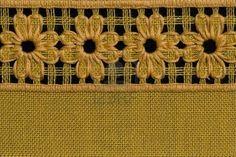 Flores a mano, detalle mantel de crochet.  Foto de archivo