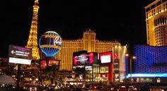 25 Gründe um Las Vegas zu besuchen Die amerikanische Stadt Las Vegas im Bundesstaat Nevada ist für Glitzer, Glamour, Entertainment und Glücksspiel bekannt. Neben diesen Angeboten, tollen Partys, zahlreichen Casinos und gastronomischen Highlights hat die Stadt inmitten der Wüste noch viel mehr zu bieten.