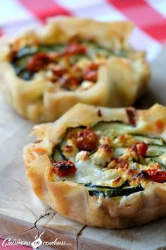 Ramadan recipes 751327150311829348 - Tartelette a la feuille de brick Source by gillesdubrulle Veggie Recipes, Vegetarian Recipes, Cooking Recipes, Healthy Recipes, Quiches, Omelettes, Zucchini, Food Porn, Feta