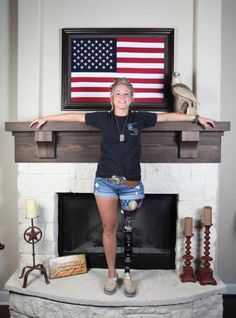Wounded warrior-she reminds us that women, also, truly are defenders of our freedom and our way of life! We love our American military! Military Women, Military Life, Military Veterans, Military Service, Military Honors, Army Life, Vietnam Veterans, My Champion, Wounded Warrior