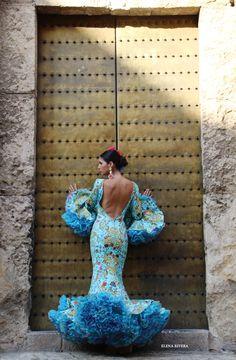 Trajes flamenca Andrew Pocrid Gala Dresses, Prom Party Dresses, 15 Dresses, Flamenco Skirt, Flamenco Dancers, Flamenco Dresses, Flamingo Dress, Spanish Fashion, Latin Dance Dresses