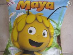Coussin en relief Maya l'abeille