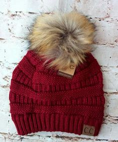 Betsey Johnson Women/'s Jeweled Faux Fur Pom Beanie Slouchy Ribbed Knit Hat NWT