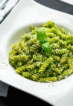 A Quick And Easy Pesto