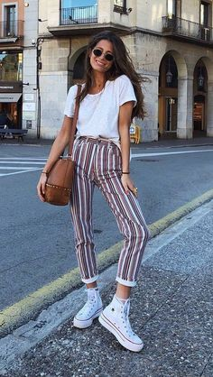 #Summer #Outfits / Pattern Print Crop Pants + White Sneakers