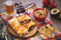 Il burrito di pollo con guacamole al lime è uno street food di ispirazione messicana che sveglierà le vostre papille gustative come una banda mariachi!