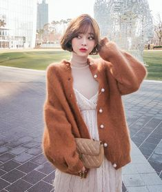 I want a short cardigan like this Kpop Outfits, Korean Outfits, Fashion Outfits, Cute Korean Girl, Asian Girl, Uzzlang Girl, Angora Sweater, Beautiful Girl Image, Cute Skirts