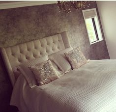 I love the padded headboard! I like it too just maybe in a different color? Glam Bedroom, Bedroom Decor, Bedroom Ideas, Beautiful Bedrooms, Romantic Bedrooms, Bedroom Styles, Dream Decor, House Rooms, Cozy House